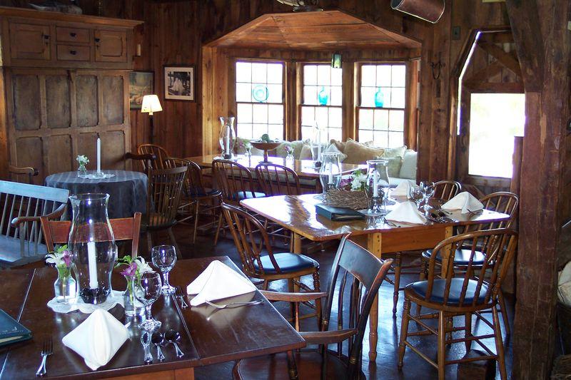 The Golden Lam Buttery Robert & Virginia Booth (24)