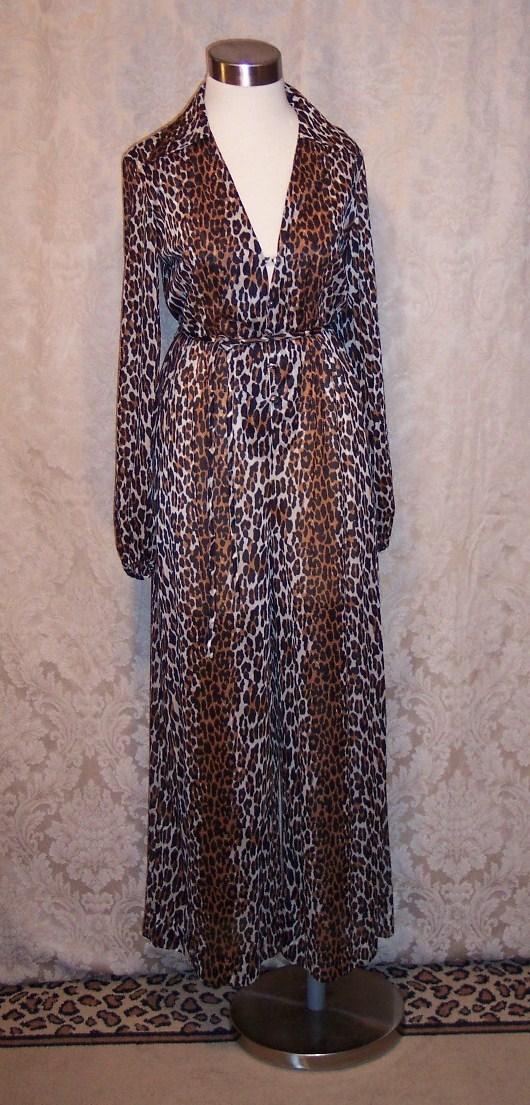 Vintage 1960s Vanity Fair Leopard Print jumpsuit (3)