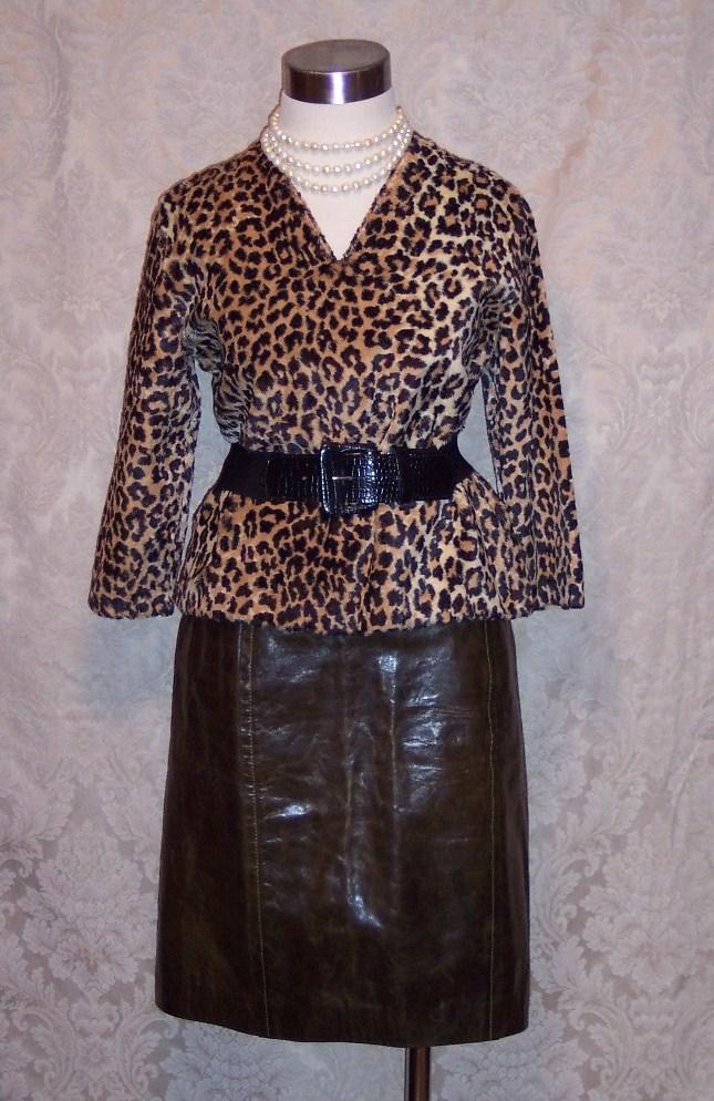 1960s vintage Faux Fur Leopard Print Pullover Top