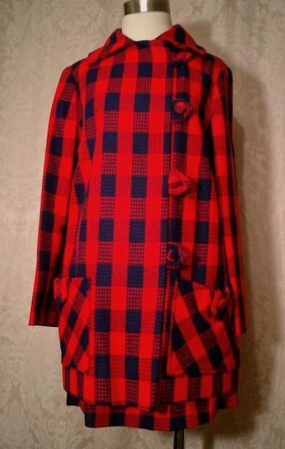 1960s vintage mod red & navy blue checkerboard print coat & skirt ensemble (4)