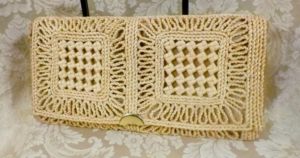 Vintage 1960s 1970's Woven Natural Straw Envelope Clutch Bag Made in Italy (3) (640x480)
