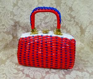 Vintage 1950s 1960s red white blue vinyl woven basket box purse (1)