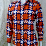 1970s vintage Kenneth Jay Lane Bonwit Teller geometric checkerboard red white blue poly blouse  (2)