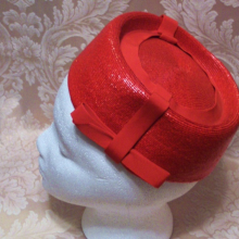 Vintage 1950s 196s red raffia straw pillbox hat fez hat ribbon bow Woolf Bros.  (2)