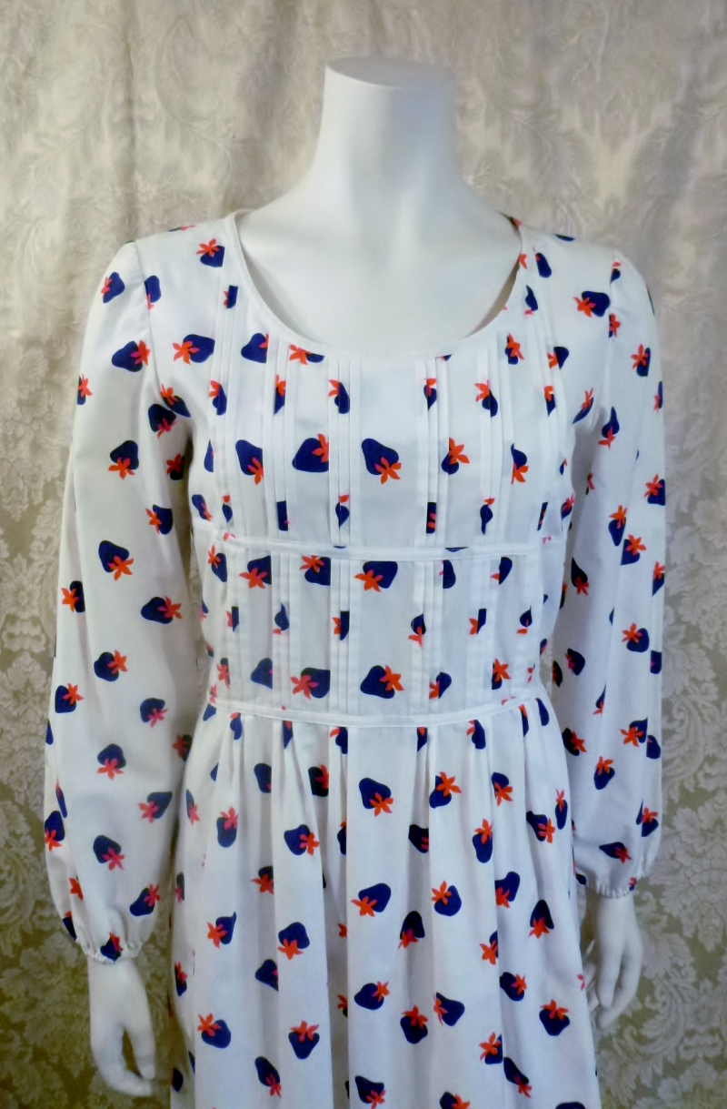 1970s vintage Casi  strawberry print red white blue dress made in Hong Kong British Crown Colony label (3)
